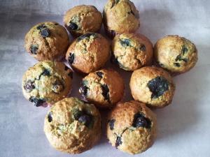 Næsten-Sund-Kage - Bananblåbær muffins
